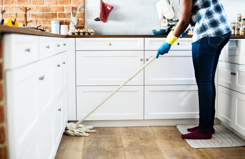 15 minutes to clean-mopping a kitchen