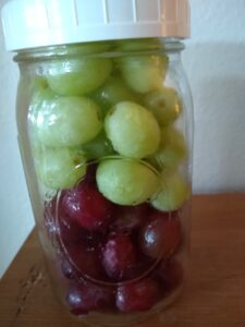 Grapes in a Mason jar stay fresh a long time
