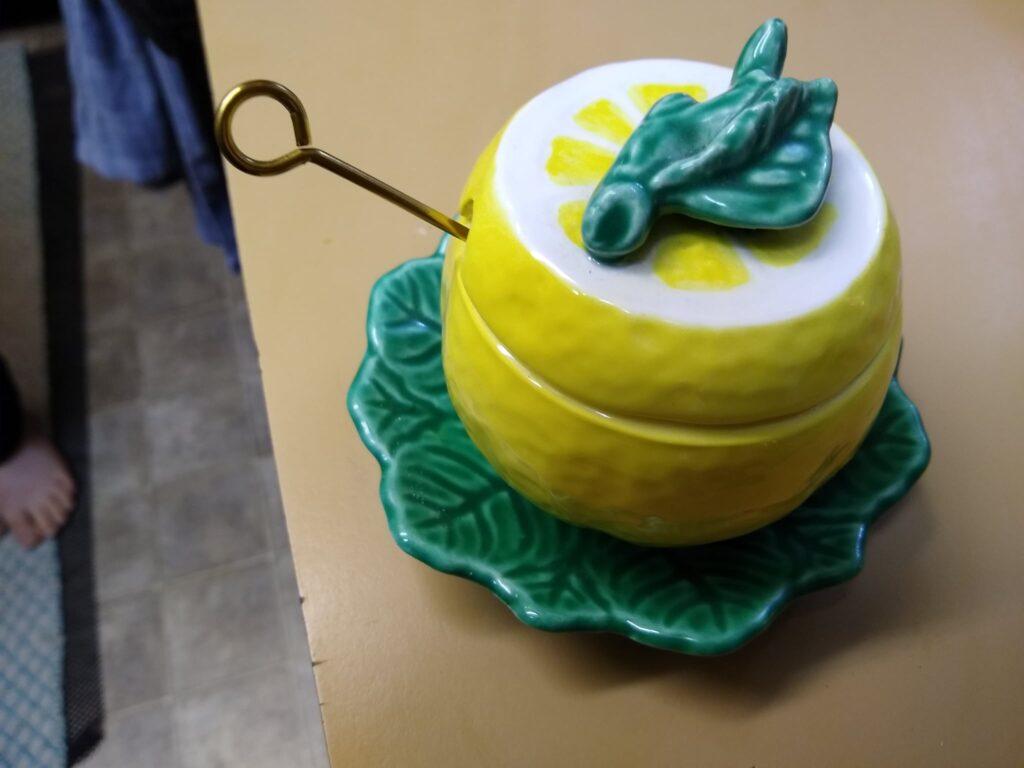 Lemon shaped honey jar